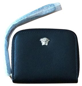 76db88af602 Versace Wallets - Up to 70% off at Tradesy