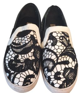 Steve Madden black and white Flats