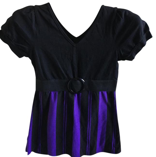Preload https://img-static.tradesy.com/item/21345205/black-and-purple-v-neck-blouse-size-4-s-0-1-650-650.jpg