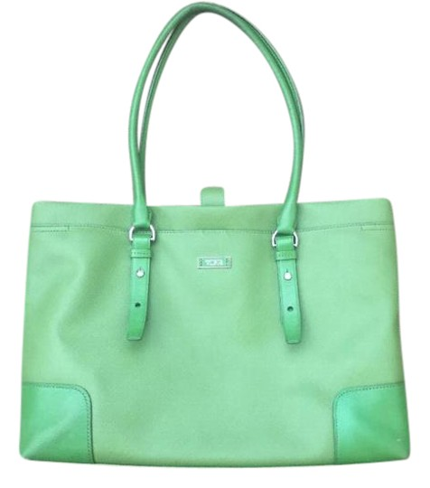 Preload https://img-static.tradesy.com/item/21345256/tumi-work-handbag-green-leather-tote-0-4-540-540.jpg