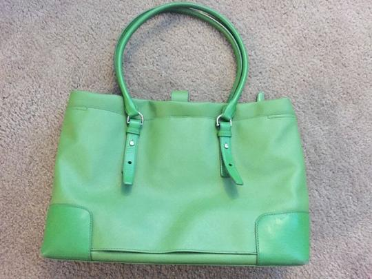 Tumi Tote in green Image 1