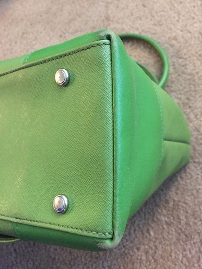 Tumi Tote in green Image 5