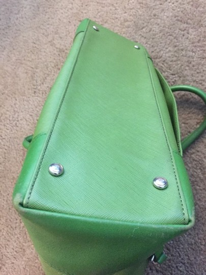 Tumi Tote in green Image 6
