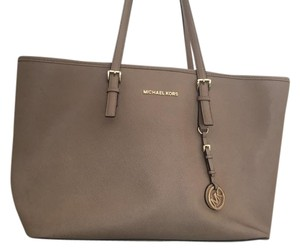 Michael Kors Mk Travel Multifunctional Saffiano Leather Tote in Dune