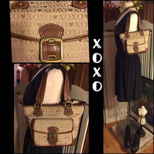 XOXO Satchel in tan/brown Image 1