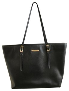 Vince Camuto Tote in Black