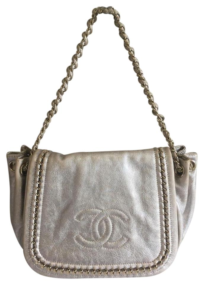 f2a9edbbe8ac Chanel Classic Flap Medium Luxe Ligne Silver Metallic (Looks Gold ...