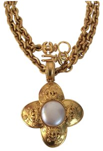 Chanel RARE VINTAGE '96A CHANEL 18k GOLD PLATED CC PENDANT NECKLACE