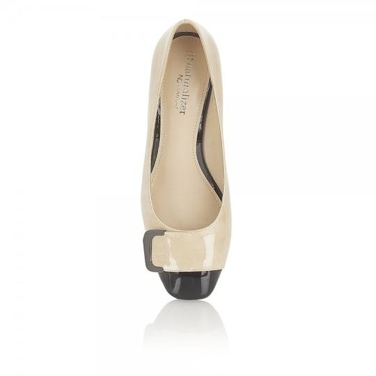 Naturalizer Xavier beige and black Pumps