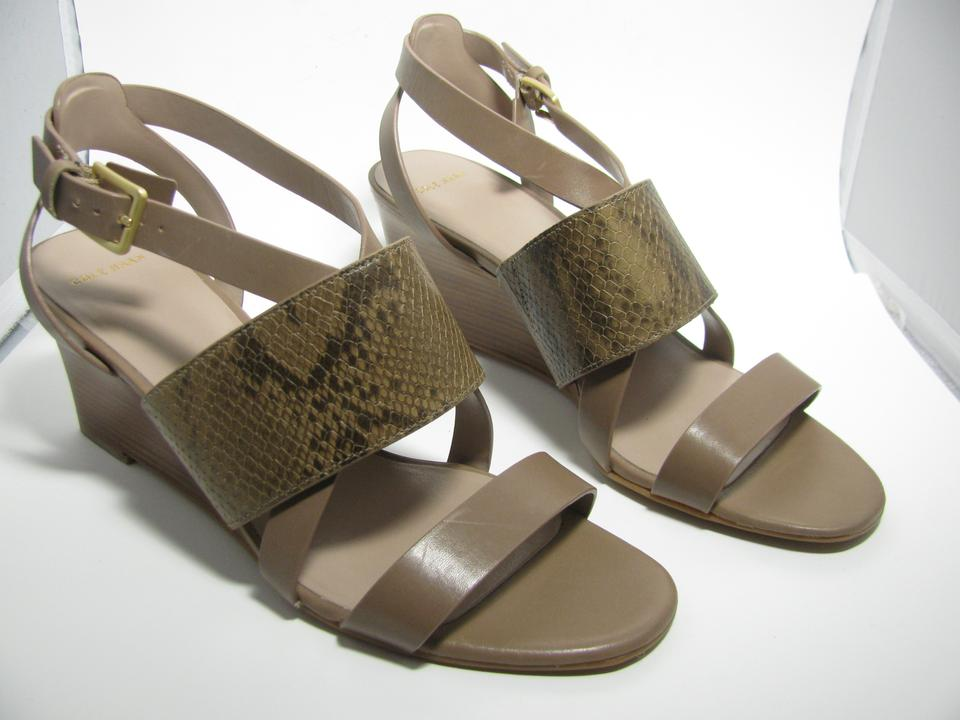 c9939db7c9ed Cole Haan Tan  Snake D42932 Helena Women s Tan  Embossed Leather Wedge Sandals  Size US 9 Regular (M