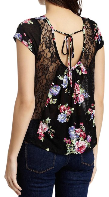 Preload https://img-static.tradesy.com/item/21354402/black-abound-tie-lace-floral-tee-shirt-size-6-s-0-1-650-650.jpg