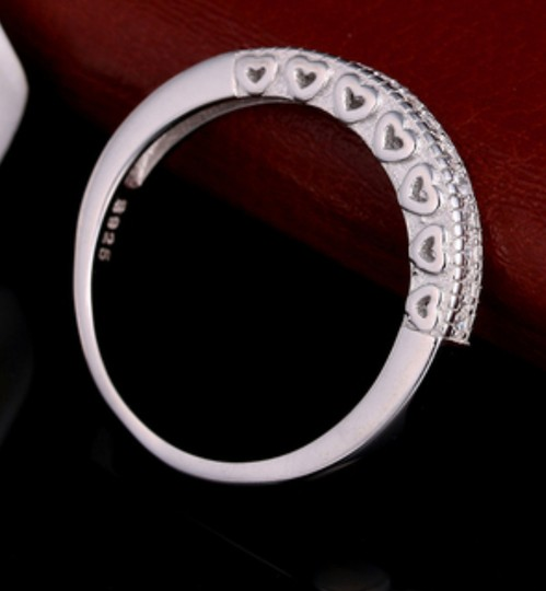 Other ** NWT ** HEARTS WEDDING BAND in STERLING SLIVER Image 2