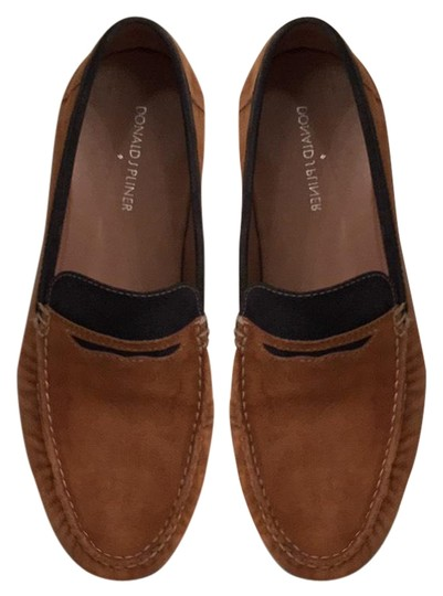 Preload https://img-static.tradesy.com/item/21354672/donald-j-pliner-brown-black-men-s-suede-loafers-suede-flats-size-us-85-regular-m-b-0-2-540-540.jpg