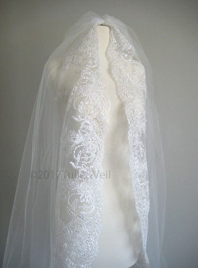 Off White Long Cathedral - Cindy Bridal Veil Image 2