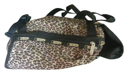Preload https://img-static.tradesy.com/item/21355708/animal-print-nylon-backpack-0-1-540-540.jpg