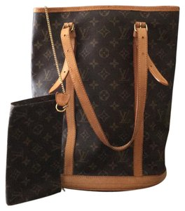 Louis Vuitton GM Bucket With Make Up Pouch Hobo Bag