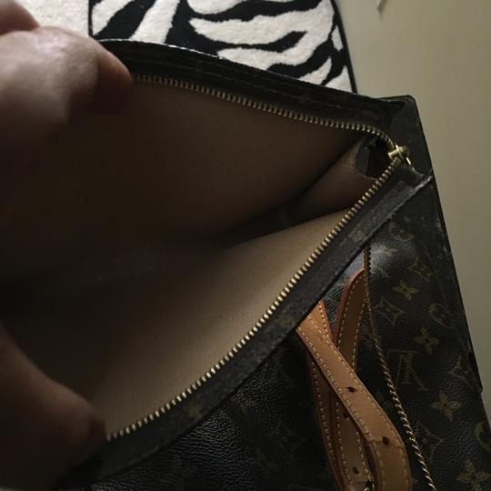 Louis Vuitton GM Bucket With Make Up Pouch Hobo Bag Image 11