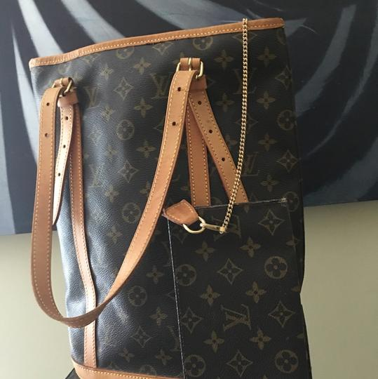 Louis Vuitton GM Bucket With Make Up Pouch Hobo Bag Image 2