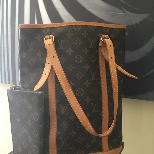 Louis Vuitton GM Bucket With Make Up Pouch Hobo Bag Image 3