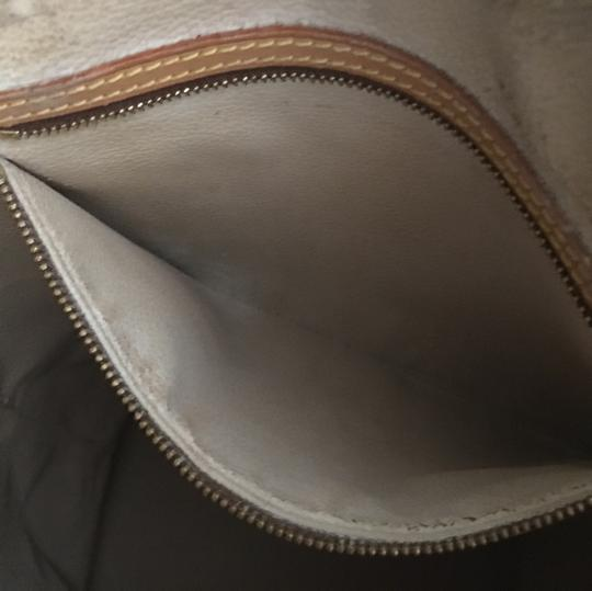 Louis Vuitton GM Bucket With Make Up Pouch Hobo Bag Image 5