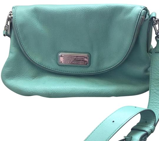 Preload https://img-static.tradesy.com/item/21356385/marc-by-marc-jacobs-sea-foam-green-leather-cross-body-bag-0-1-540-540.jpg