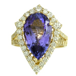 Fashion Strada 8.16 Carat Natural Tanzanite 14K Yellow Gold Diamond Ring