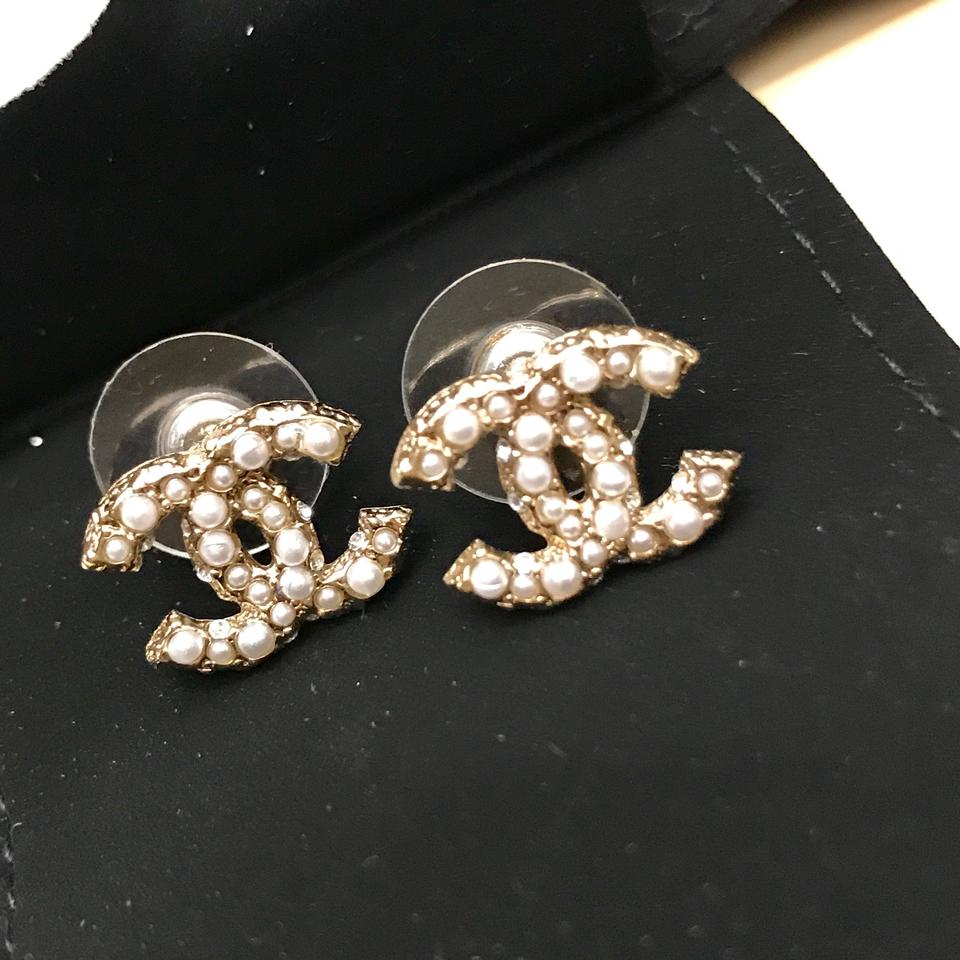 Chanel Pearl Crystal Cc Stud Earring 12345678910