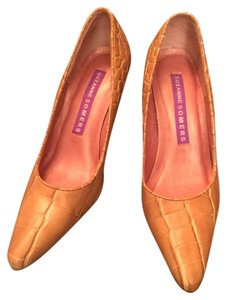 "Suzanne Somers Alligator 3"" Heel Comfortable Nude / Tan Pumps"