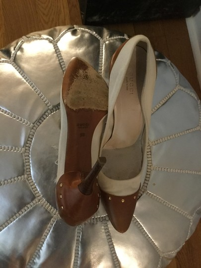 Gucci Studded Leather Canvas Western Gold Vanilla Pumps Image 3