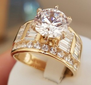 14k solid yellow gold 55ct man made diamond round cut engagement ring - Preowned Wedding Rings