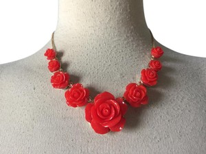 ASOS Red and Gold lucite Roses blooms Grunge 90s Necklace