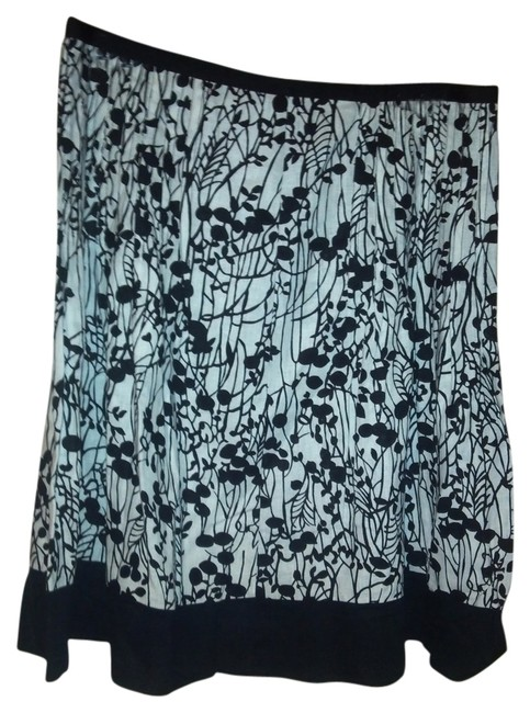 Preload https://item4.tradesy.com/images/george-skirt-black-and-white-2136243-0-0.jpg?width=400&height=650