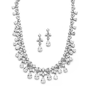 Hollywood Glam Style Statement Crystal Necklace Earrings Jewelry Set