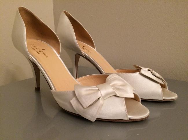 Item - Ivory Shalyn Pumps Size US 8 Regular (M, B)