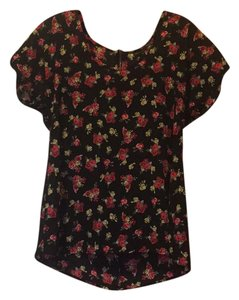 Fun & Flirt Top black with red flowers