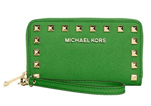 Michael Kors Wallet Zip Around 880492654369 Selma Stud Leather Iphone X Wallet Wristlet in Palm Green