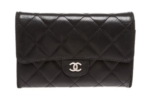 Chanel Chanel Black Quilted Lambskin Leather Medium Flap Wallet 212407