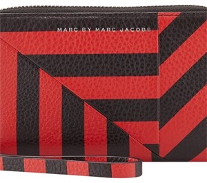Marc by Marc Jacobs Wristlet in Red and Black