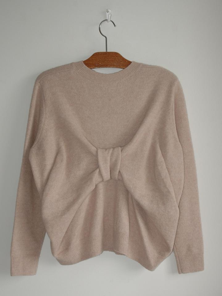 fb25d8efe3338 COS Wool Blend Bow Back Beige Sweater - Tradesy