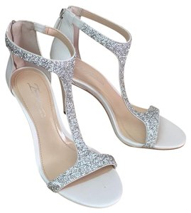 Imagine by Vince Camuto Bling white and silver Formal