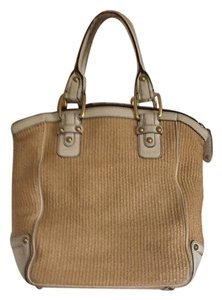 Banana Republic Tote in neutral wheat and white