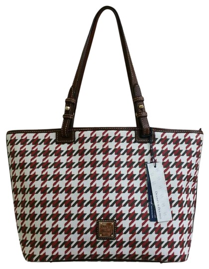 Preload https://img-static.tradesy.com/item/21369202/dooney-and-bourke-nwt-houndstooth-print-leisure-shopper-blackwhitered-coated-canvas-cotton-tote-0-22-540-540.jpg