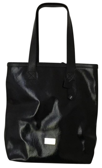 Preload https://img-static.tradesy.com/item/21369375/armani-collezioni-shopper-black-tote-0-1-540-540.jpg