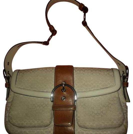 Preload https://img-static.tradesy.com/item/21369632/coach-signature-soho-white-with-tan-canvas-leather-trim-shoulder-bag-0-6-540-540.jpg