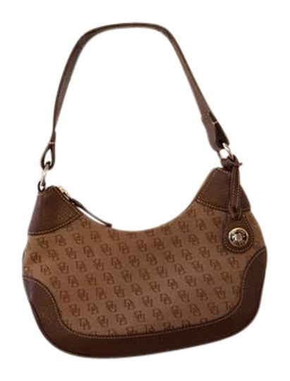 Preload https://img-static.tradesy.com/item/21370093/dooney-and-bourke-and-signature-brown-canvas-shoulder-bag-0-1-540-540.jpg