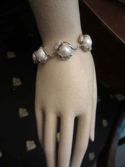 Unbranded 18kt White Gold Plated Baroque Pearl Bracelet Crystals New!
