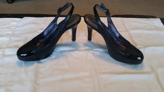 Tahari Sling Work black Pumps