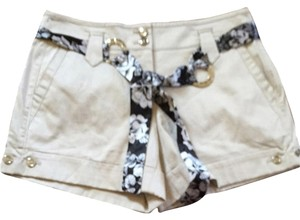White House | Black Market Shorts Light Beige