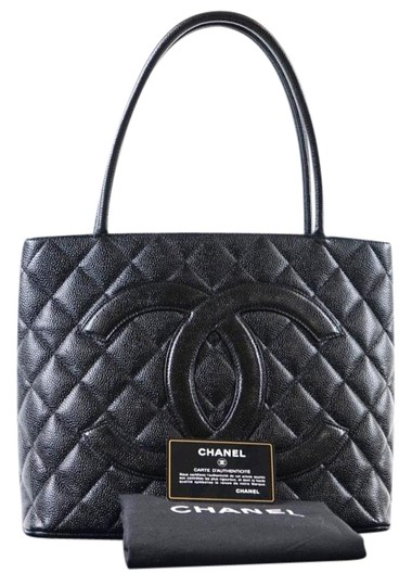 Preload https://img-static.tradesy.com/item/21370796/chanel-timeless-medallion-caviar-with-silver-hardware-black-leather-tote-0-3-540-540.jpg
