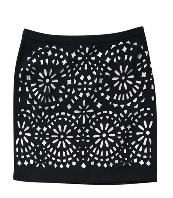Preload https://img-static.tradesy.com/item/21370967/g2000-black-laser-cut-skirt-size-2-xs-26-0-2-650-650.jpg